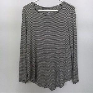Black & White Striped Lightweight Long-Sleeve